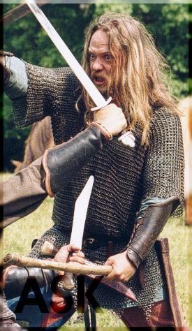 Викинг в кольчуге