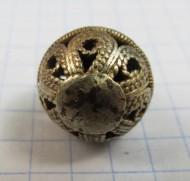 Пуговица средневековая, полая внутри