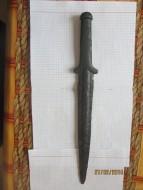 Киммерийский железный кинжал с бронзовой рукоятью