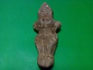Женская глиняная фигурка