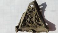 Накладка бронзовая рельефная Олень