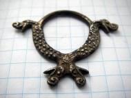 Серебряная кольцеобразное украшение пояса с драконами