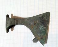 Древнерусский крупный бронзовый амулет-торик