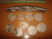 Клад с серебрянной гривной Новгородского типа без надчекана с клеймом