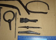 Различные средневековые орудия труда