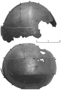 Металлический шлем Шпангенхельм