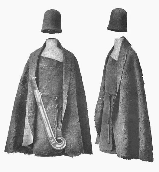Воин эпохи бронзы, реконструирован на основе погребального инвентаря и тканей, найденных в датских дубовых гробах