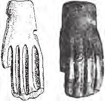 Скифские бляшки в виде кисти руки