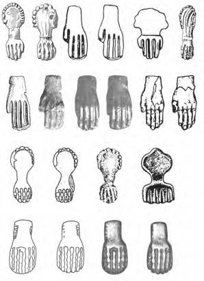 Уздечные бляхи в форме кисти руки или лапы