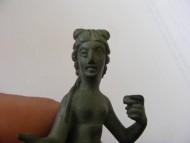 Бронзовая статуэтка венеры