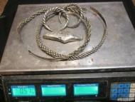 Комплекс двух витых шейных гривен, двух витых ручных гривен, и одной гривны в слитке. Серебро