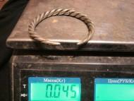 Витая серебряная ручная гривна