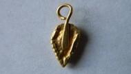 Золотая античная подвеска