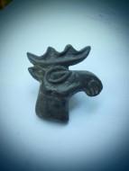 Бляшка «Олень», V - IV в. до н. э. Бронза