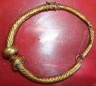 Золотая сарматская ручная гривна