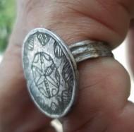 Крымский перстень с солярным орнаментом на щитке