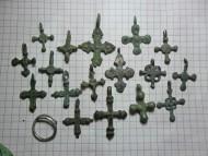 Бронзовые нательные крестики Киевской Руси