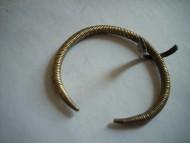 Витой пружинный браслет