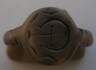 Массивный бронзовый перстень с тамгой 15-16 век