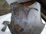Остаток упора для копья на кирасе, универсальный топор, нач 15 века