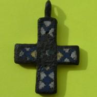 Нательный крест КР с перегородчато-выемчатыми эмалями XI-XIII в.