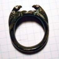 Серебряный перстень с рельефными  изображениями двух птиц