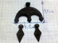 Трехрогая лунница головы змей + ромбовидные подвески 8 век
