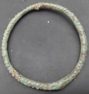 Древний бронзовый браслет