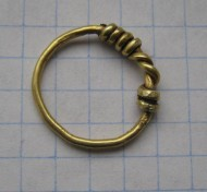 Золотое височное кольцо 1.95 гр.