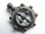 Крестовключенная круговая прорезная подвеска. Киевская Русь, 12-13 век