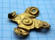 Скифская золотая свастикоподобная бляшка