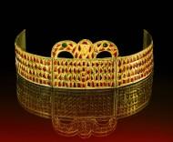 Керченская корона (нем. Die Kertscher Krone). Работа ювелира из Причерноморья. V век н.э., длина 34.2 см. Здесь и далее: коллекция Иоганна фон Диргардта