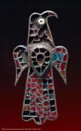 Фибула в виде орла, со вставками самоцветов