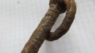 Средневековая однозубая вилка с кольцом