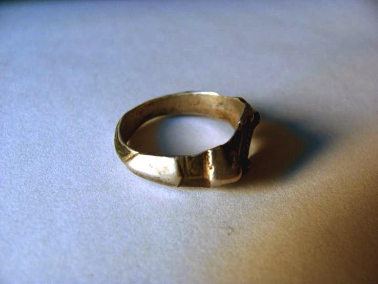тех пор кольцо поздняя русь 12-14 век доска современном