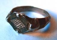 Золото ордынский перстень с рогами и чернением