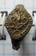 Оловянный перстень «Крин» процветший крест. XII - XIII в.