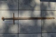 меч 14 века, найденный в торфяном болоте в Польше
