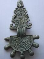 Славянские антропоморфные пальчатые фибулы