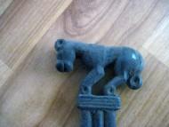 Литое бронзовое зеркало с изображением пантеры на рукояти, вторая пол. 6 - первая четверть 5 в.в.до н.э.