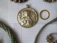 Древнерусская серебряная нагрудная иконка с образом святого