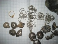 Не большой средневековый клад серебра и золотое кольцо
