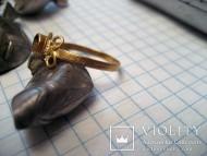 Золотой позднесредневековый перстенек
