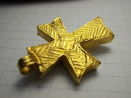 Византийский золотой крест с гранатом
