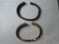 Праславянские браслеты из круглого в сечении стержня, плавно расширяющийся к концам