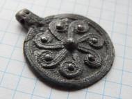 Древнерусский амулет-подвеска «коловрат», оловянистая бронза