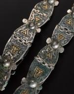 Декорированные штампованные браслеты из Ирландии