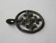 Древнерусский крестовключенный солярный амулет