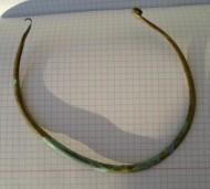 Древняя бронзовая шейная гривна