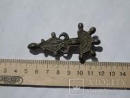 Пятипалая фибула с сохранившейся железной иглой